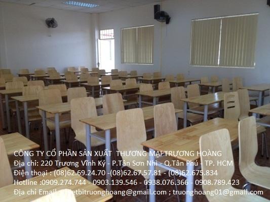 Bàn học cho sinh viên